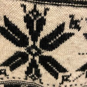 American Eagle Outfitters Sweaters - Soft black and white sweater